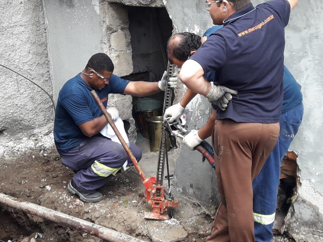 Estabilização e controle de recalque em edifício de empresa de transporte de Gás e Petróleo.